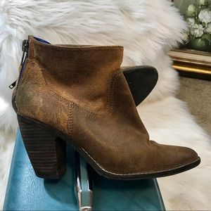 Dolce Vita Suede Booties Sz8.5